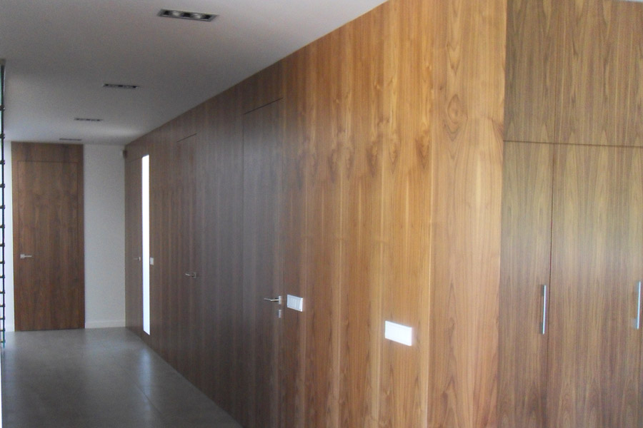 drewniane drzwi